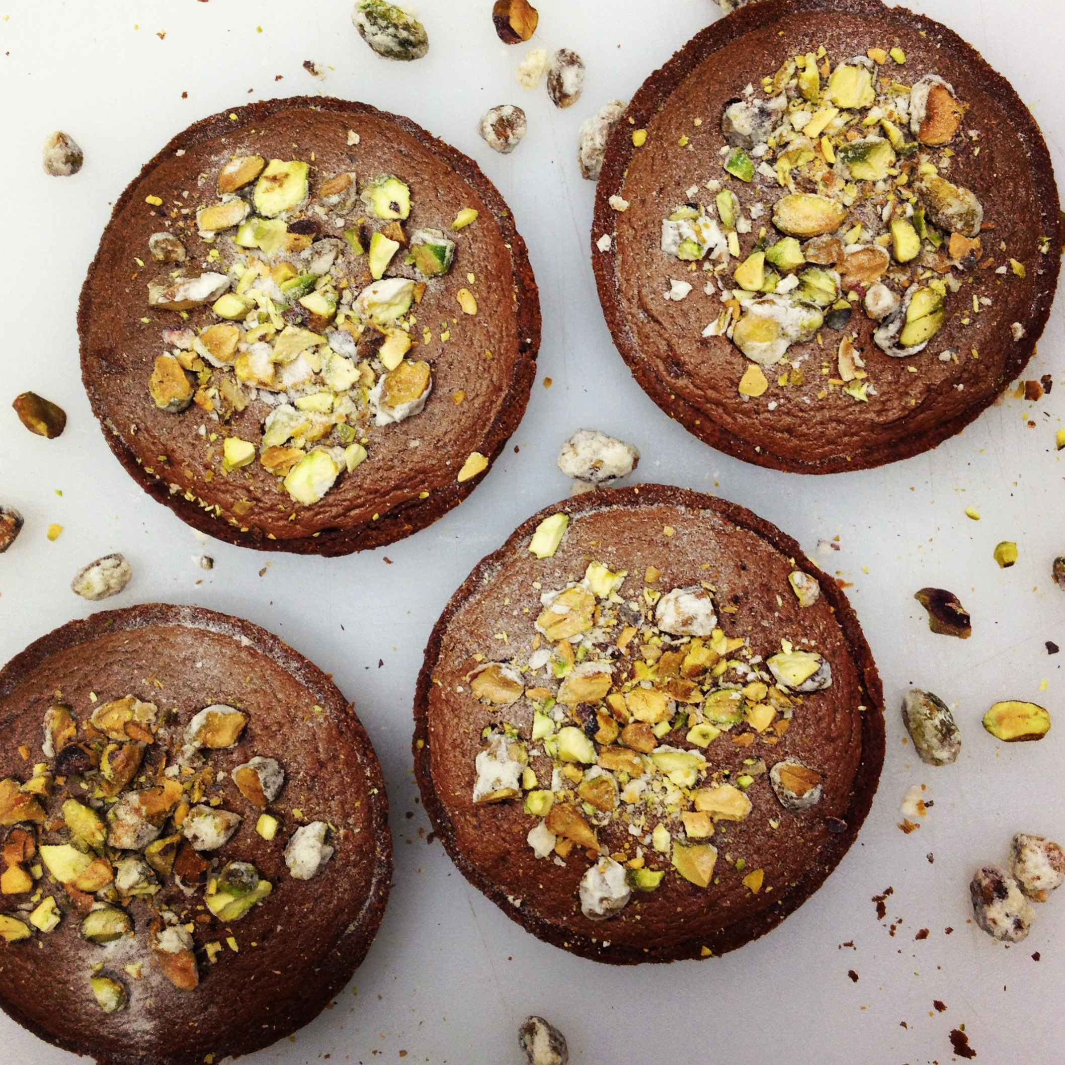 chocolate-mousse-and-pistachio-tarts